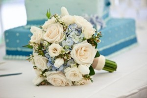 BB0563-Vintage Ivory Rose and Blue Hydrangea Bridal Bouquet