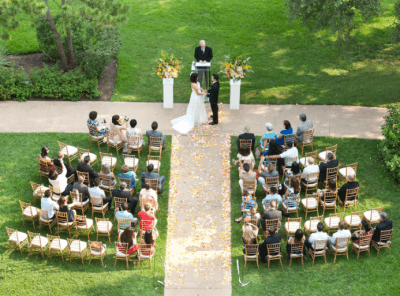 A couple is celebrating its wedding day